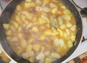 Тушенка с картошкой - фото шаг 3