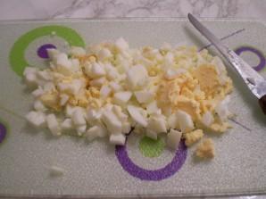 Вкусный салат с корейской морковкой - фото шаг 2
