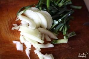 Пакора с зеленым луком - фото шаг 2