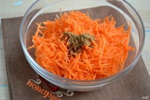 Салат из огурцов с морковкой по-корейски - фото шаг 3