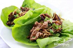 Азиатский салат со свининой и грибами - фото шаг 7