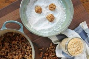 Конфеты из фиников и орехов - фото шаг 2