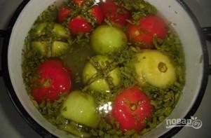 Малосольные помидоры по-армянски с чесноком - фото шаг 6