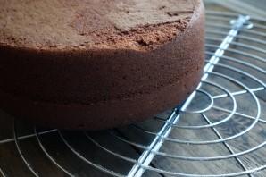 Шоколадный торт с голубикой - фото шаг 7