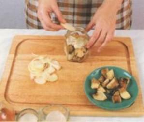Маринованные белые грибы с чесноком - фото шаг 4