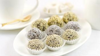 Шарики из сухофруктов и орехов - фото шаг 4