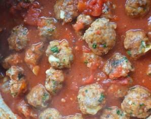 Мясные шарики с моцареллой в томатном соусе (фрикадельки) - фото шаг 9