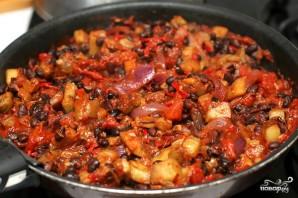 Чили из черной фасоли и баклажан - фото шаг 8