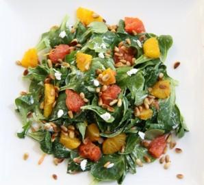 Салат с грейпфрутом и сыром  - фото шаг 4