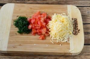Конвертики из лаваша с сыром и помидорами - фото шаг 2
