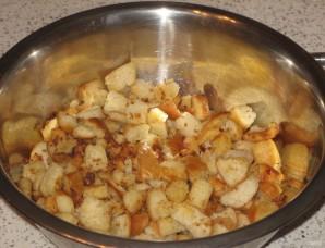 Сливочно-сырный суп с чесночными сухариками - фото шаг 4