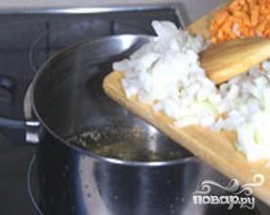 Куриный суп с клецками, сельдереем и кабачками - фото шаг 2