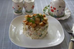 Салат с копченой курицей и сухариками - фото шаг 6