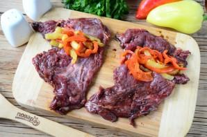 Мясные роллы, фаршированные овощами - фото шаг 8
