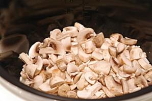 Суп с грибами в мультиварке   - фото шаг 2