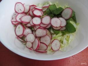 Салат по-корейски из капусты с редисом и кабачком  - фото шаг 3