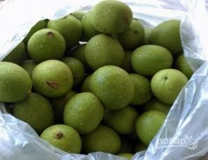 Варенье из зеленых орехов - фото шаг 1