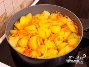 Картошка с морковью - фото шаг 6