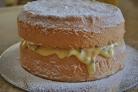 Бисквитный торт с творожной начинкой