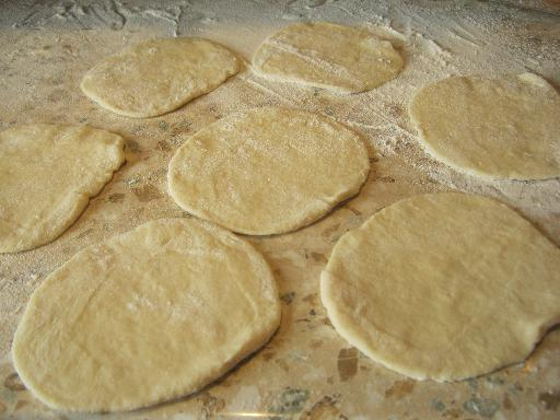 Пирожки с капустой на кефире - фото шаг 9
