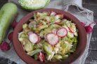 Салат по-корейски из капусты с редисом и кабачком
