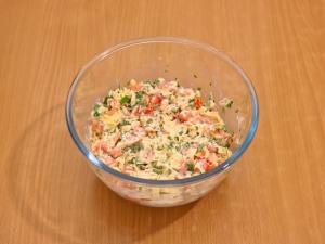 Салат в чипсах - фото шаг 6