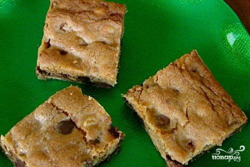 Пирожные с шоколадом и карамелью