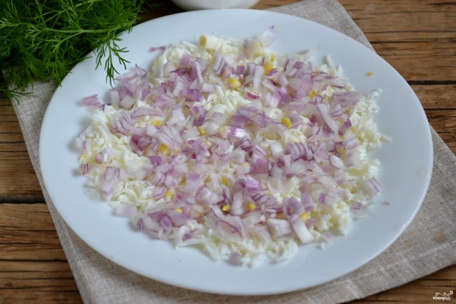 Салат из сайры - фото шаг 3