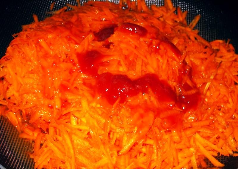 Рецепт Салат из тушеной моркови