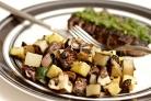 Салат из жареных овощей с грибами