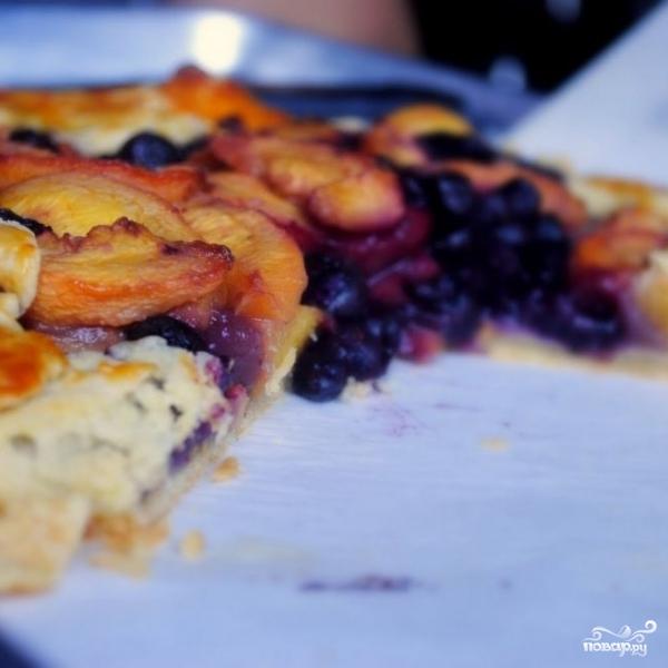 Пирог с черникой и персиками по-деревенски - фото шаг 19