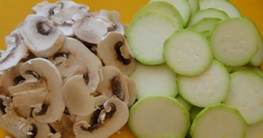 Рецепт Кабачки жареные с грибами