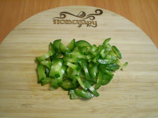Салат с корейской морковкой и крабовыми палочками - фото шаг 4