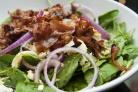 Салат со шпинатом и беконом
