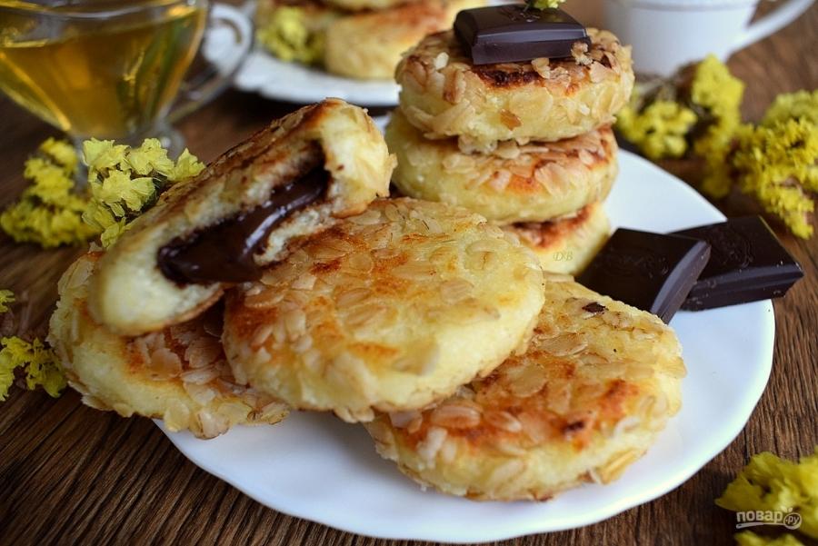 Сырники из творога с шоколадом внутри рецепт пошагово