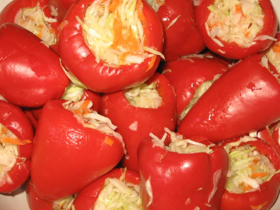 болгарский перец фаршированный капустой консервированный