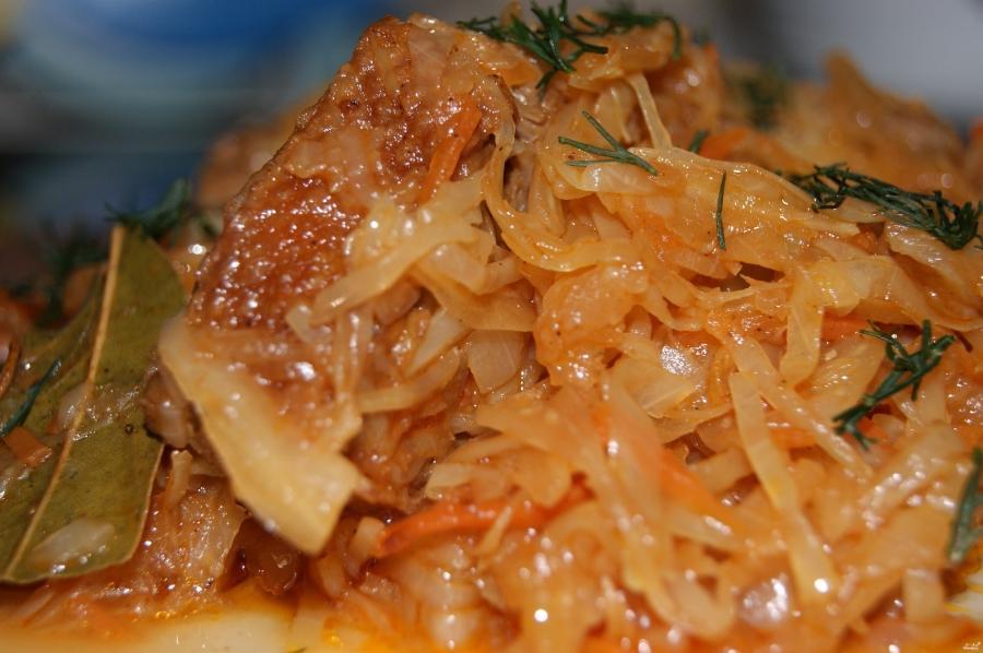 как приготовить жареную капусту с мясом