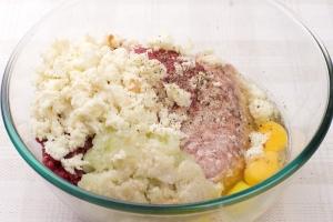 Котлеты из свинины и говядины - фото шаг 3