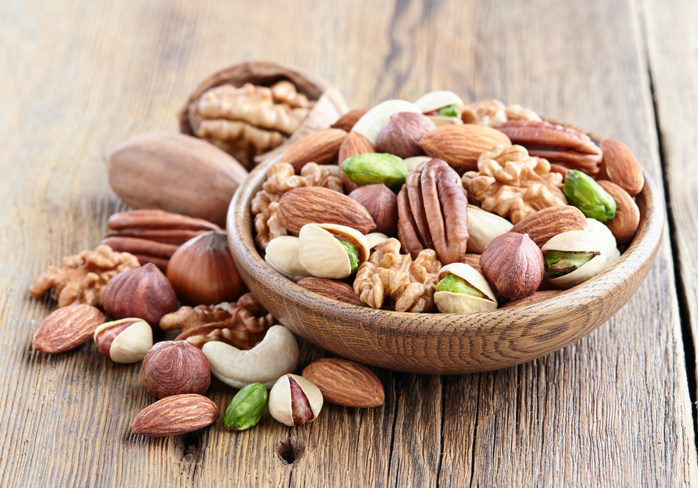 Орехи миндаля, фундука, фисташек, кешью, грецкие и пекан