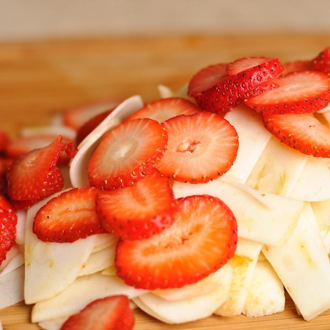 Яблочный пирог с фруктами - фото шаг 4