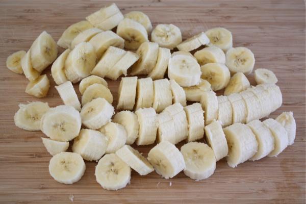 Рецепт Банановый коктейль с мороженым