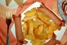 Картофель с сосисками в духовке