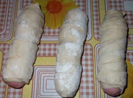 Тесто для пирожков с сосиской - фото шаг 5