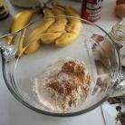 Рецепт Банановые пончики с арахисовой глазурью