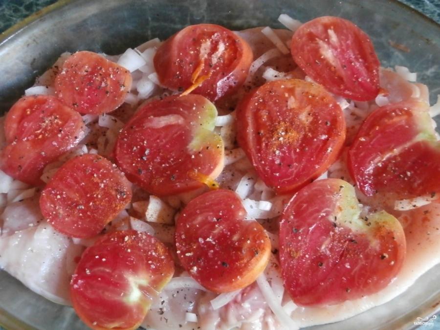 Куриная грудка с помидорами в духовке - фото шаг 2