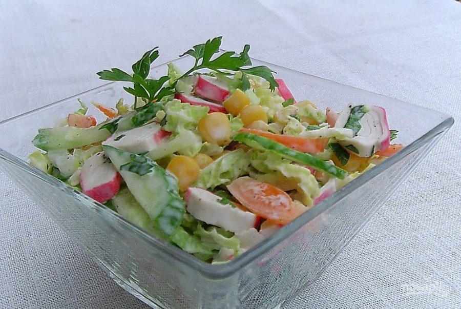 Салат из капусты крабовых палочек и кукурузы рецепт с