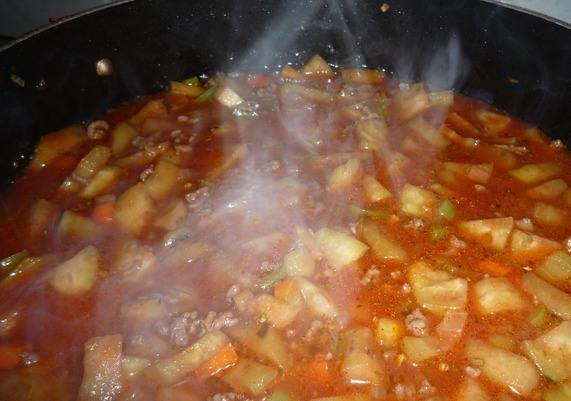 Овощное рагу с баклажанами и кабачками и капустой в мультиварке