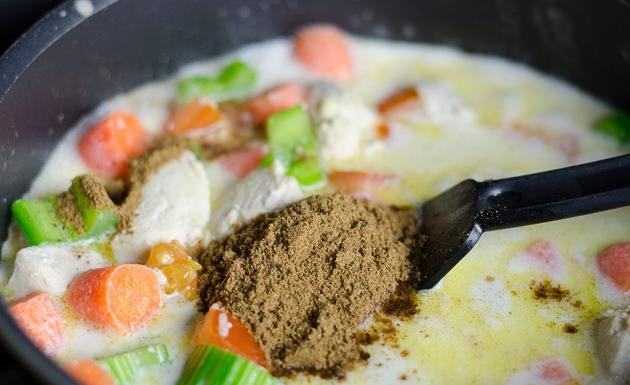 Курица в молочном соусе - фото шаг 8