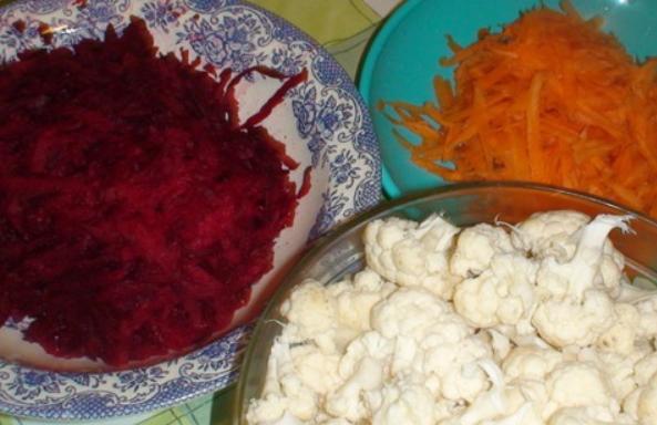 Рецепт Капуста, маринованная с овощами на зиму