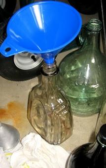 Вино из смородинового варенья - фото шаг 5